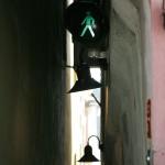 Самая узкая улочка в Праге.