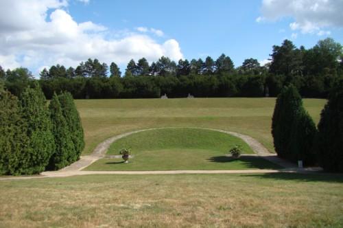 Вид на парк с замковой террасы Валтице